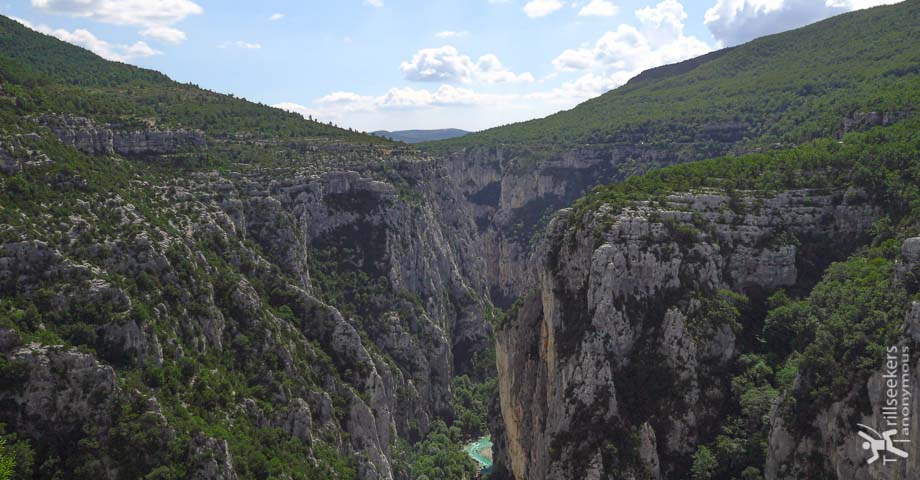 A view of Gorges du Verdon on a perfect day.